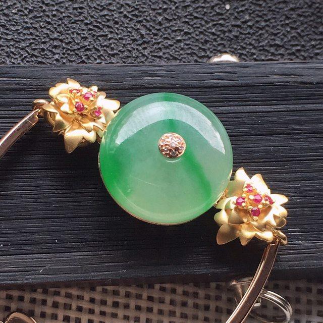 糯冰飘绿色镶嵌翡翠手链
