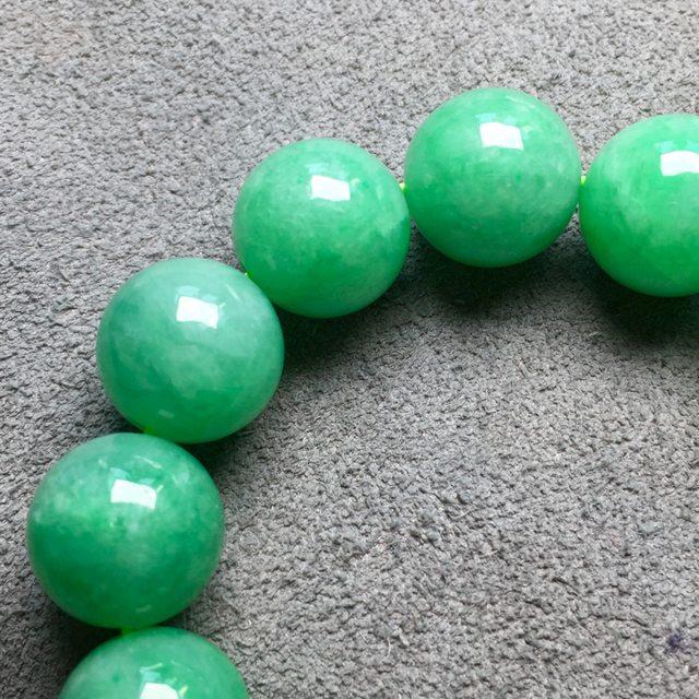 13.5寸冰满绿天然翡翠手串图6