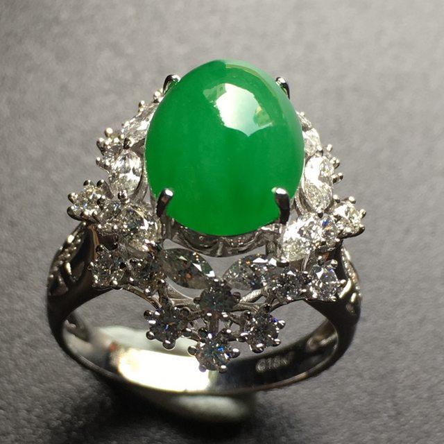 冰透阳绿蛋面翡翠戒指