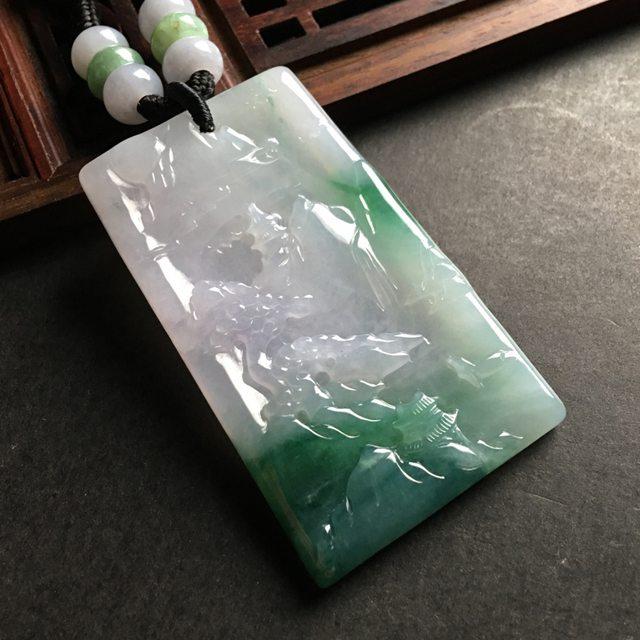 飘绿山水牌翡翠吊坠 尺寸53-32-5毫米
