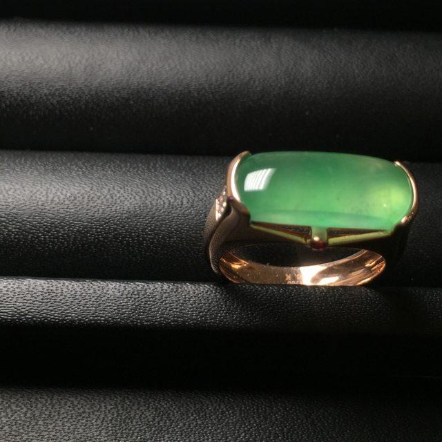 冰种阳绿男女款 缅甸天然翡翠戒指