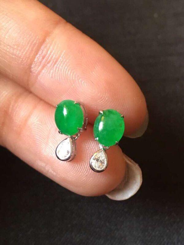 冰种正阳绿蛋面翡翠耳钉