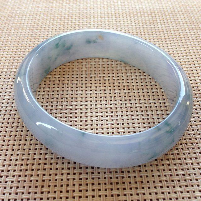 细润紫罗兰贵妃翡翠手镯 尺寸:57x15.3x6.8mm
