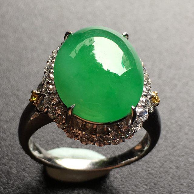 老坑冰润阳绿蛋面翡翠戒指