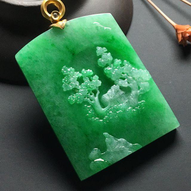 冰种满绿 悠然自得翡翠吊坠 18k金扣 尺寸:51-39-7毫米