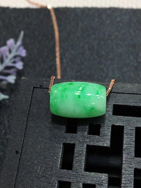 冰种阳绿翡翠吊坠 路路通平安坠翡翠吊坠
