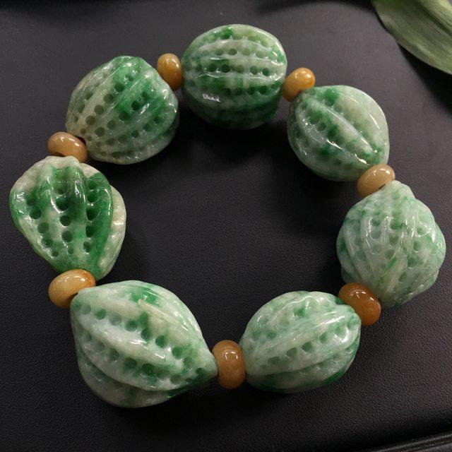 豆种飘绿翡翠核桃手链