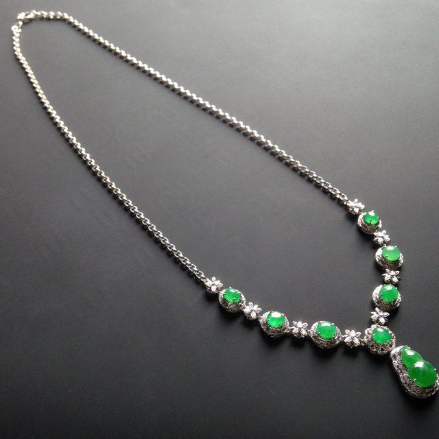 18k白金真钻镶嵌 冰种阳绿福禄翡翠项链