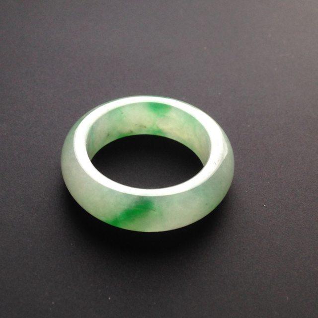 24-6-2.5寸糯冰种带色 翡翠指圈