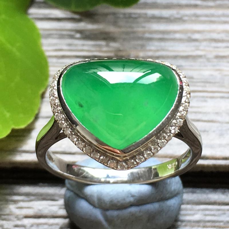 冰种阳绿爱心 天然翡翠18k金钻戒指