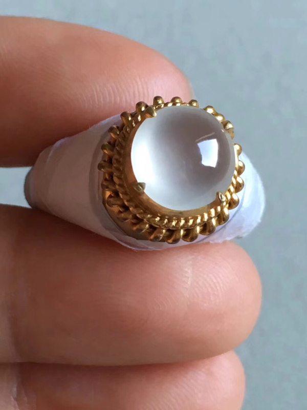 老坑玻璃种起荧光闪亮9.3-9.3-4.5mm