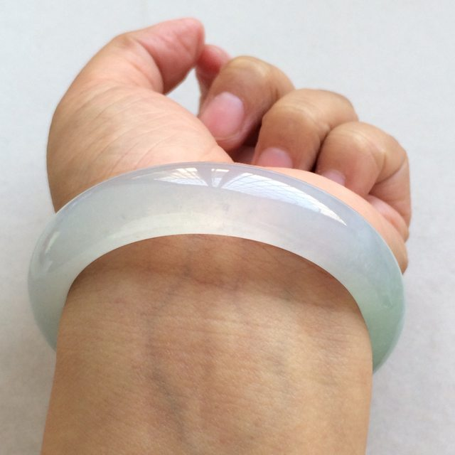 冰种底色翡翠手镯  缅甸天然翡翠正圈手镯  尺寸:57寸图3