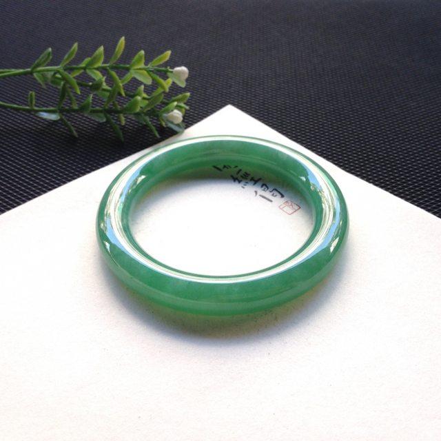 糯冰满绿翡翠手镯