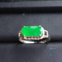 冰種陽綠馬鞍 翡翠戒指大小10.2*6*3mm