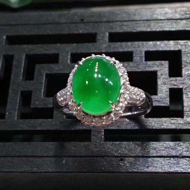 12*13.6*10.6寸冰大满绿 18k金伴靓钻缅甸天然翡翠戒指