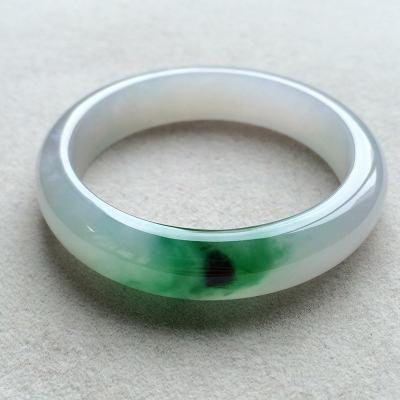 冰糯種飄綠天然翡翠扁管手鐲(53mm)