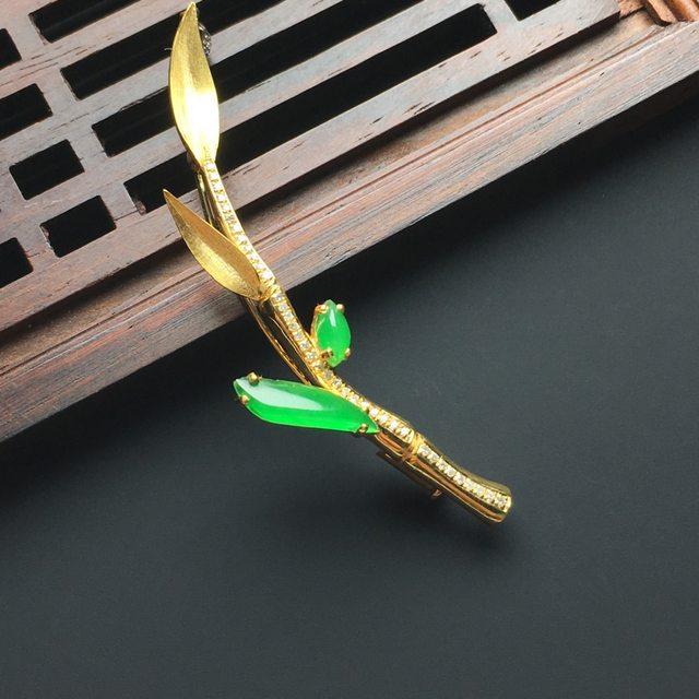 冰种阳绿翡翠胸针