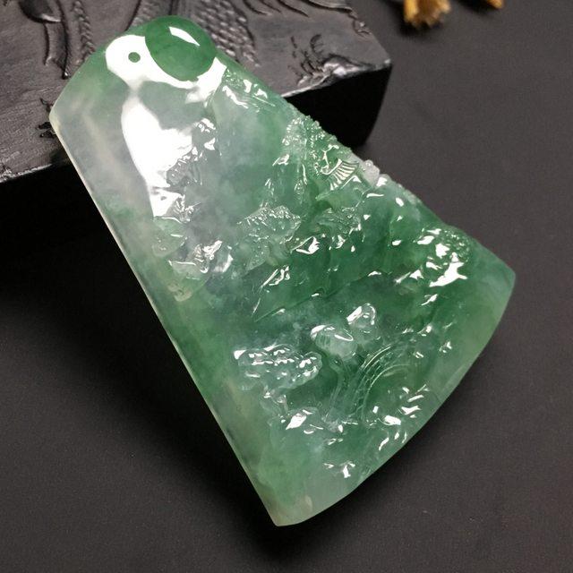 冰种晴绿会友 翡翠吊坠 尺寸55-42-9毫米