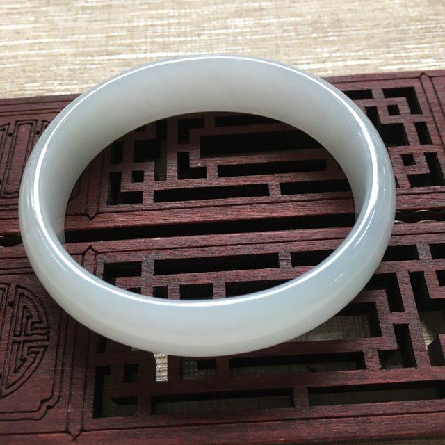糯种晴水翡翠手镯   缅甸天然翡翠贵妃镯 尺寸:52mm13.7mm5.5mm-47mm