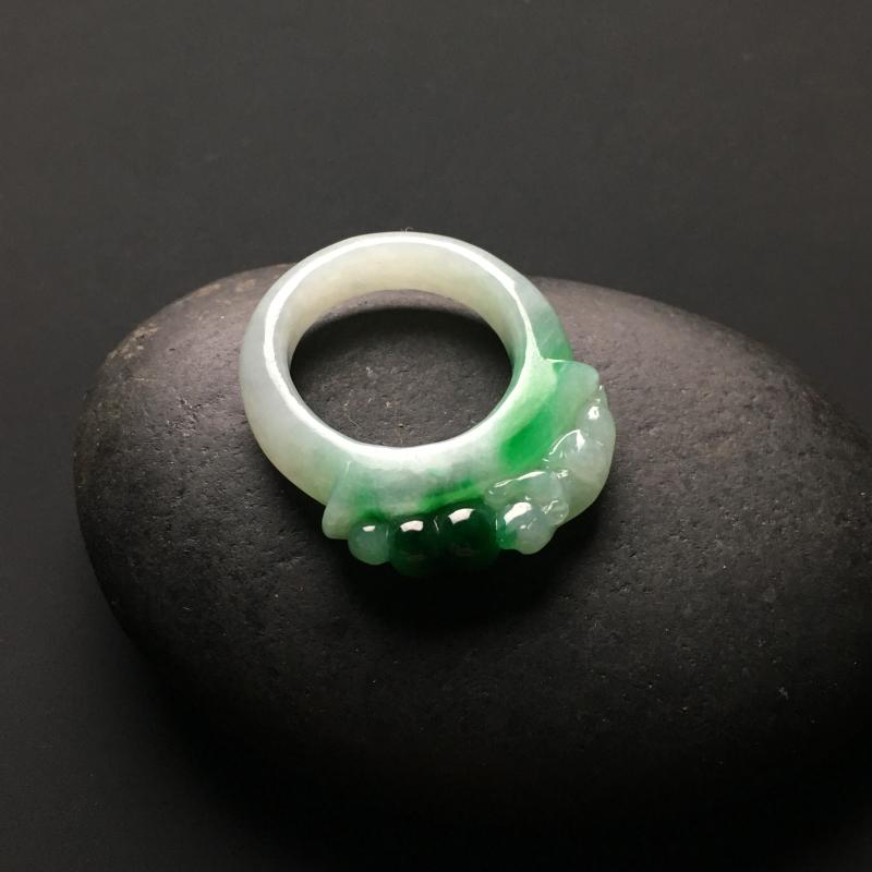 糯种飘绿招财貔貅天然翡翠扳指