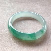 冰种飘阳绿翡翠手镯 玉质冰润