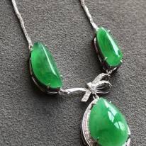 天然翡翠冰种满绿项链
