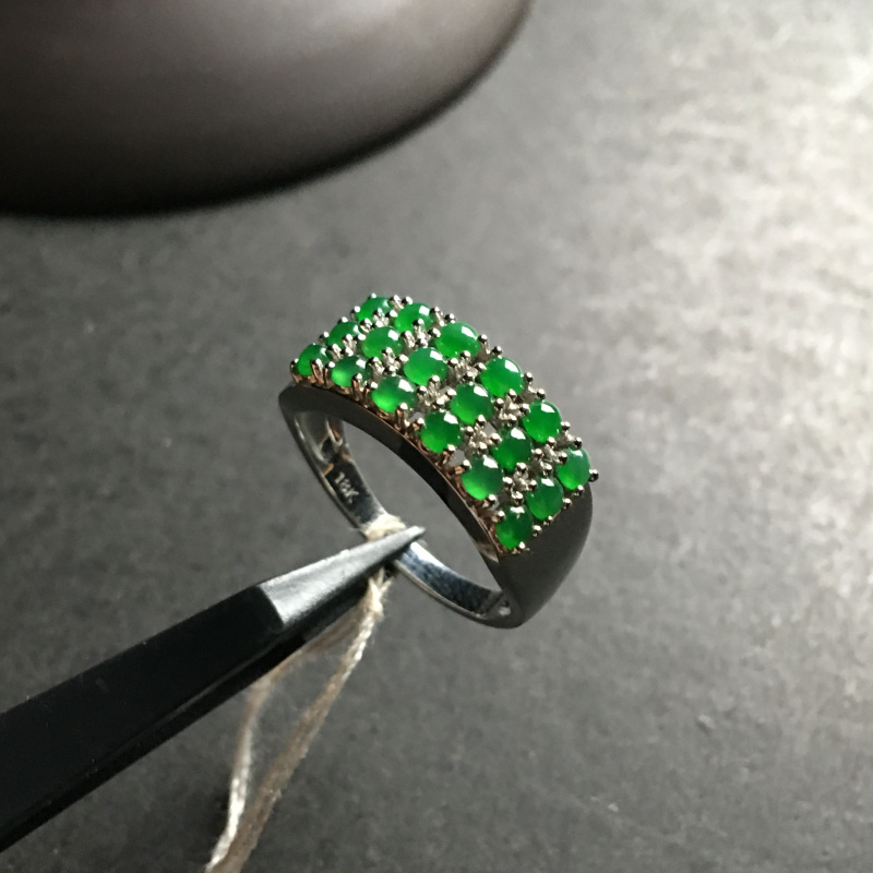冰种阳绿蛋面 天然翡翠18K白金戒指