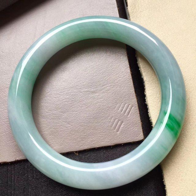 冰飘阳绿圆 翡翠手镯 尺寸10圈口57.5