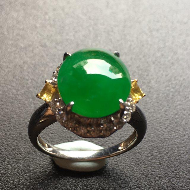 冰润阳绿蛋面翡翠戒指