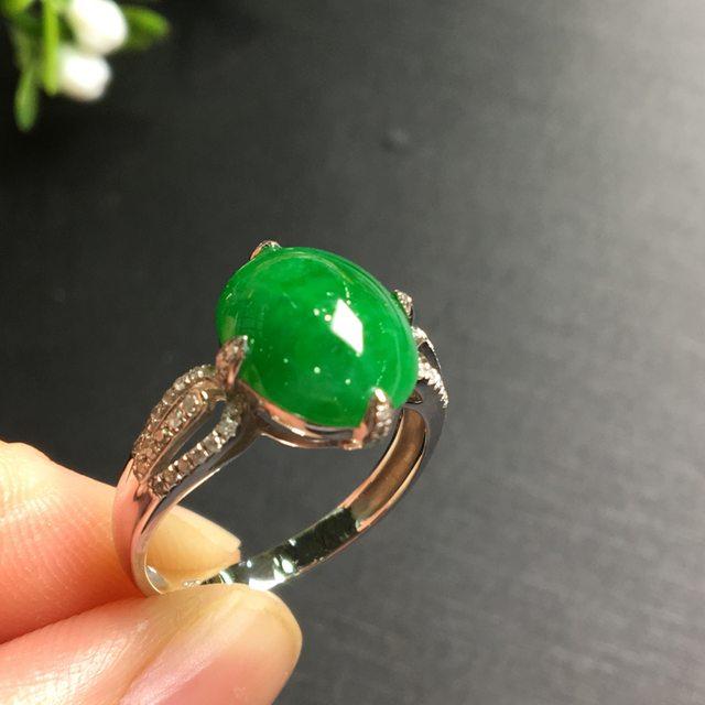 冰糯种阳绿圆蛋 缅甸天然翡翠戒指