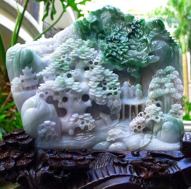 215*240*60寸老种飘阳绿山水翡翠摆件图1
