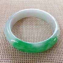 細潤陽綠翡翠正圈鐲 尺寸:56.5x14.2x8mm