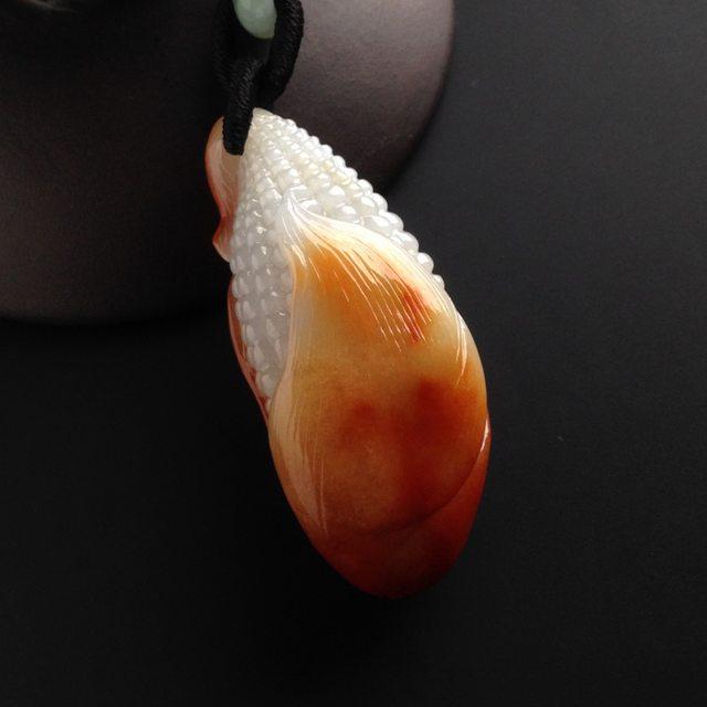 巧雕红翡多子多福 翡翠吊坠 尺寸45-19-16毫米