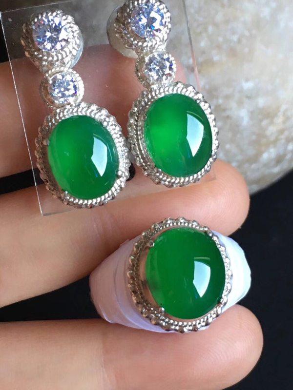 精品老坑冰种 正阳绿色 缅甸天然翡翠