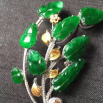 完美高色滿綠翡翠胸針