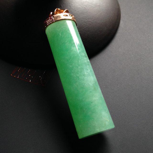 冰种绿底 精美翡翠吊坠 尺寸45-12毫米