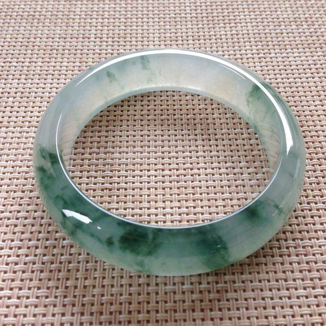 冰种飘花翡翠手镯 缅甸天然翡翠手镯  尺寸:54.7寸