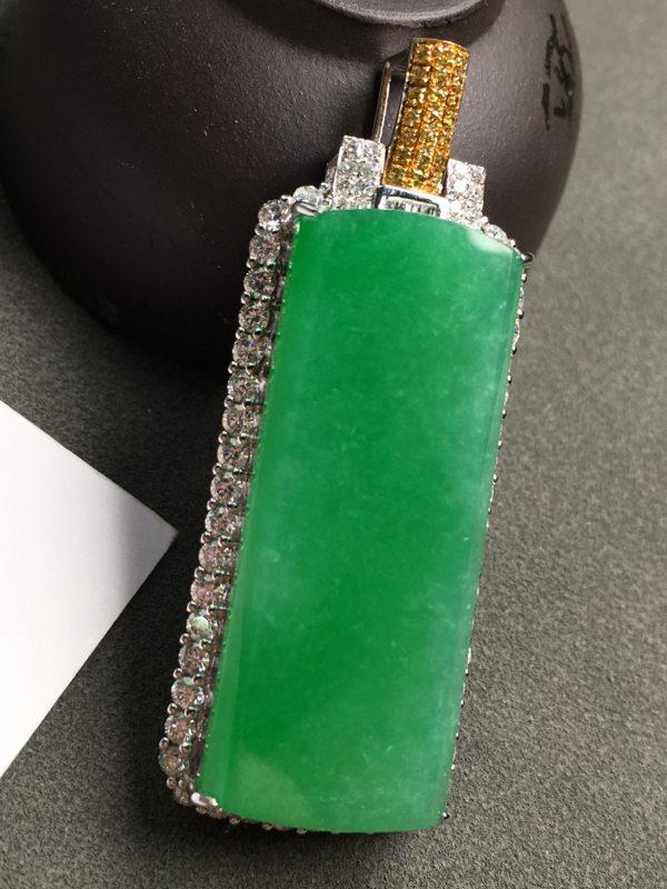 满绿无事牌A货18K金镶嵌钻石