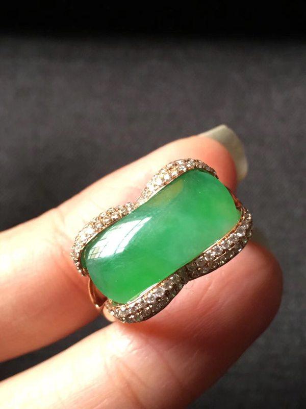 冰种起胶感正阳绿 缅甸天然翡翠戒指