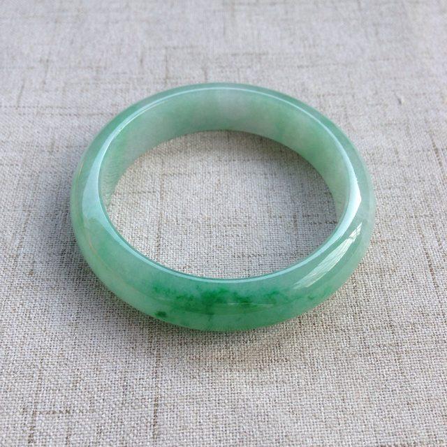 冰种正圈飘绿翡翠手镯  缅甸天然翡翠手镯