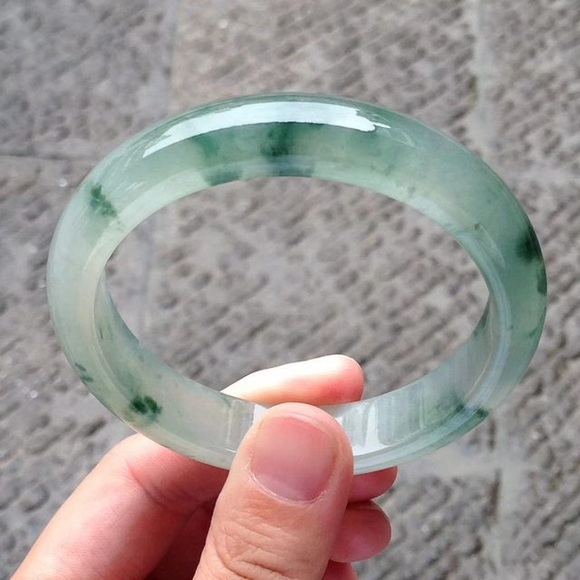 58冰种飘绿花翡翠镯 58.4-13-8mm图7