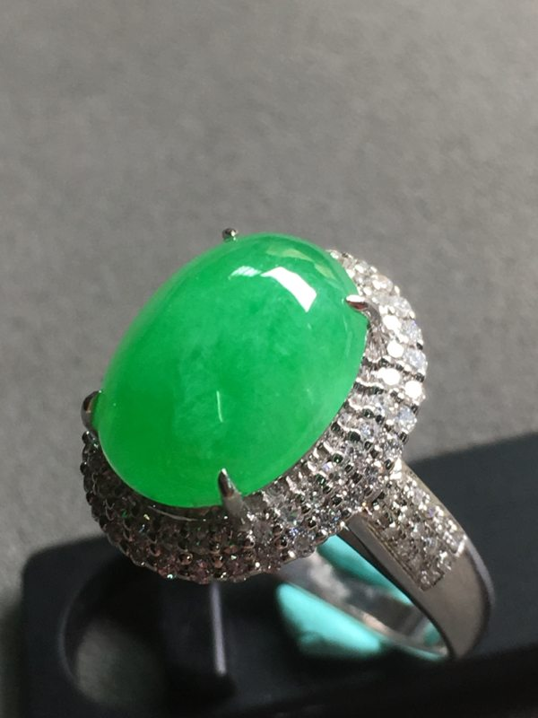 冰种阳绿 翡翠戒指 18K金镶嵌钻石