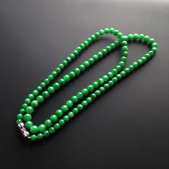 糯冰种阳绿翡翠项链 109颗 单颗尺寸4mm图4