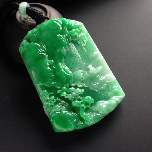 冰种阳绿淡泊人生翡翠吊坠 尺寸72-48-11毫米