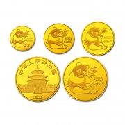 广州钱币交易网的1982年熊猫金币套装值多少钱