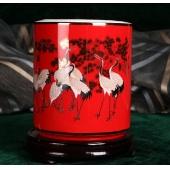 中国红瓷笔筒 松鹤图办公用品