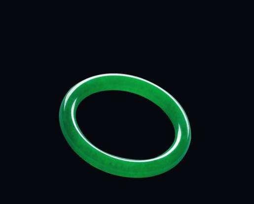 阳绿翡翠手镯