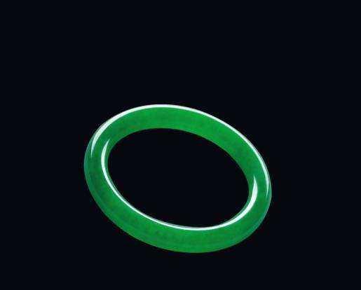 如何鉴定阳绿翡翠?阳绿翡翠手镯贵不贵?