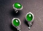 翡翠耳环为何受到女性欢迎?该如何选择适合自己的翡翠耳环?