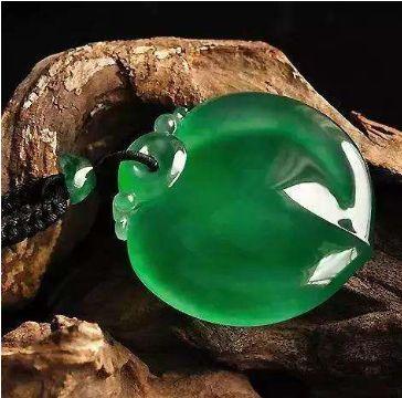 龙石种翡翠有什么不同的特征?龙石翡翠不可不知的图文鉴赏知识!